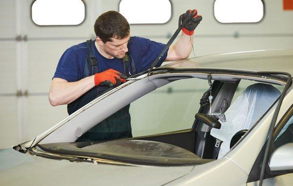 Picking an Auto Glass Repair Shop