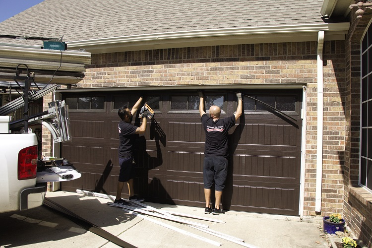 Top 5 Tips for Choosing a Reliable Garage Door Repair Company